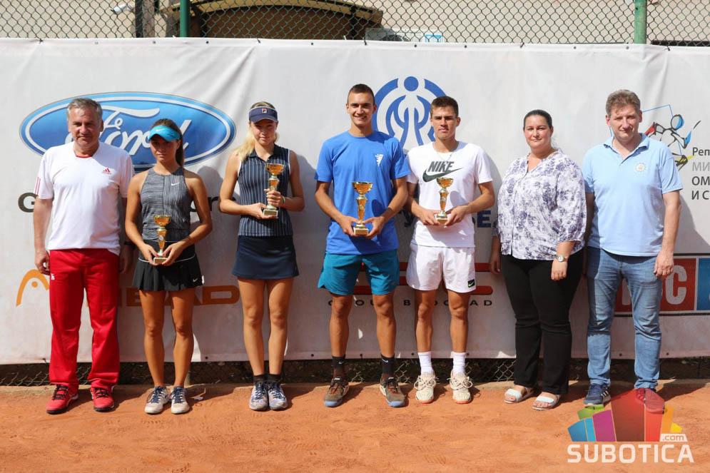 Lazar Milićević, Viktor Jović, Darja Šuvirđonkova, Tara Gančev, ITF J5 SUBOTICA OPEN 2020 Srbija, Teniski klub Spartak Subotica