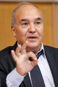 Abderrahmane MEBTOUL, Professeur, Economiste et Expert international