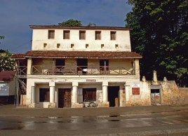 House of Columns exterior - malindi museums