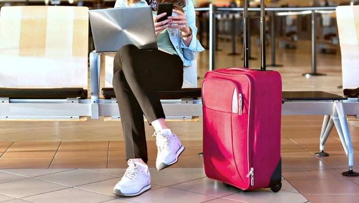 comfiest airplane pants long flights - Viaggiare a Malindi: come sopravvivere a un lungo volo