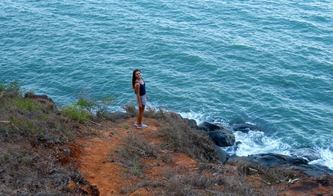 Cairnes Australia Blogpost traveler Girl Ocean