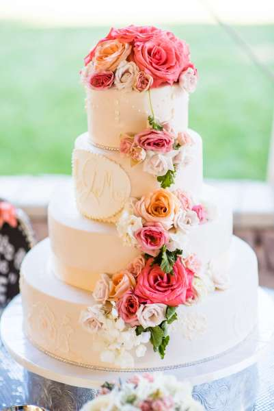 Elegant Wedding Cake     Malizzi Cakes   Pastries Birthday Cake