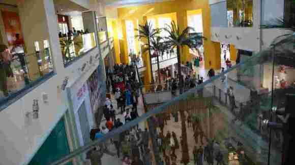 Intérieur du Centre Commercial Borj Fez