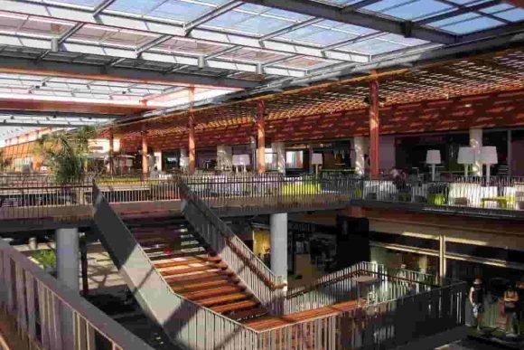 Intérieur du centre commercial de AlMazar à Marrakech