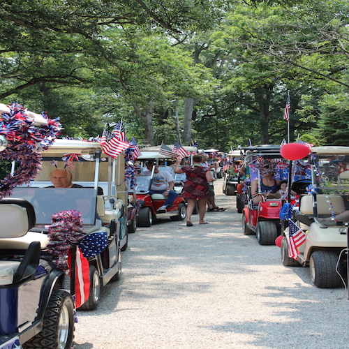 4th of july people carts