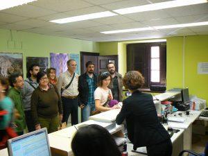 [cml_media_alt id='306']Entregando las firmas recogidas en el ayuntamiento. Foto: Ecologistas en Acción Huesca[/cml_media_alt]