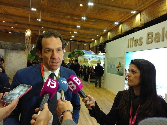 Marc Pons Fitur