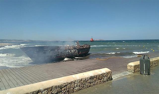 Los barcos han quedado totalmente calcinados