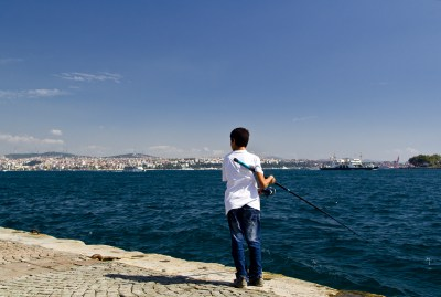 Istanbul, Angler bei der Galatabrücke