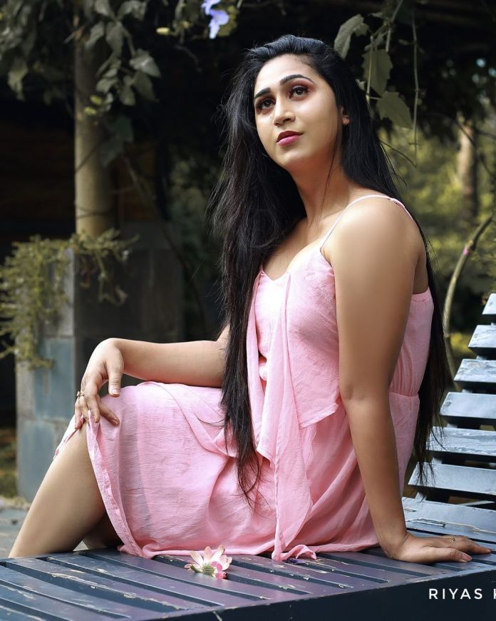 Anjali ameer hot and sexy exposing photoshoot Photos: HD Images, Pictures,  Stills, First Look Posters of Anjali ameer hot and sexy exposing photoshoot  Movie - Mallurepost.com