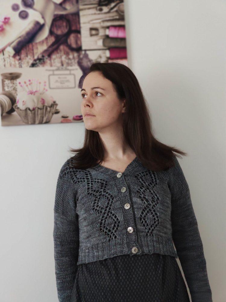 Gilet court pour femme au tricot