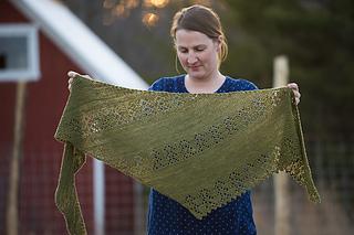 Nurlumintu - châle au tricot pour l'automne