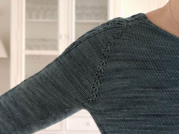 Hysope - Maloraé Designs - Pull raglan en dentelle