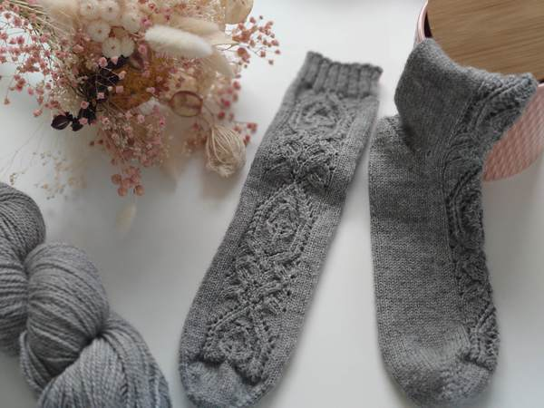 Hedera socks - Maloraé Designs