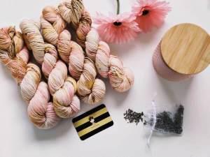 Bellis cardigan - gilet au tricot - Maloraé Designs