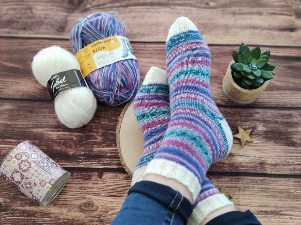 Chaussettes au tricot - Tuto gratuit - Épisode 22 - Maloraé Designs