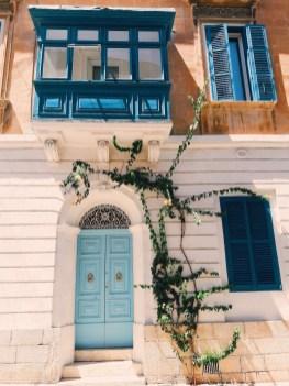 マルタの街並み お店のドア