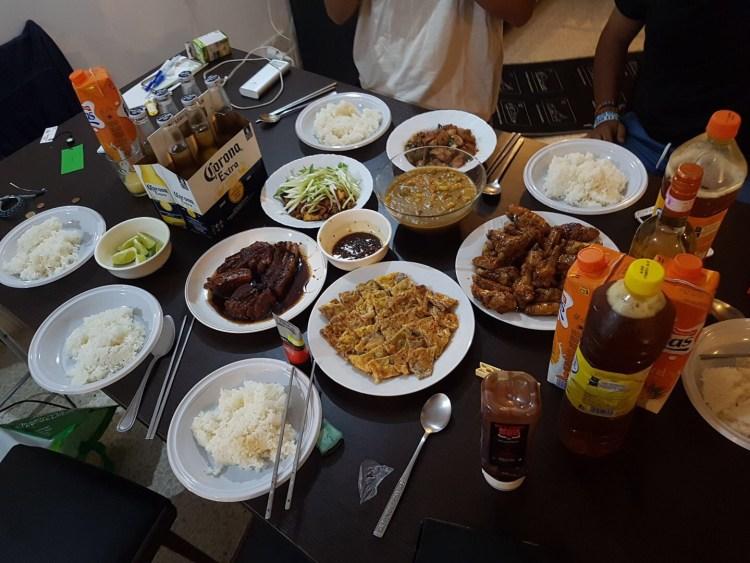 マルタのアパートでアジア料理