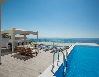 The Water Front - Ultra Modern Sea Front Villa with Private Pool