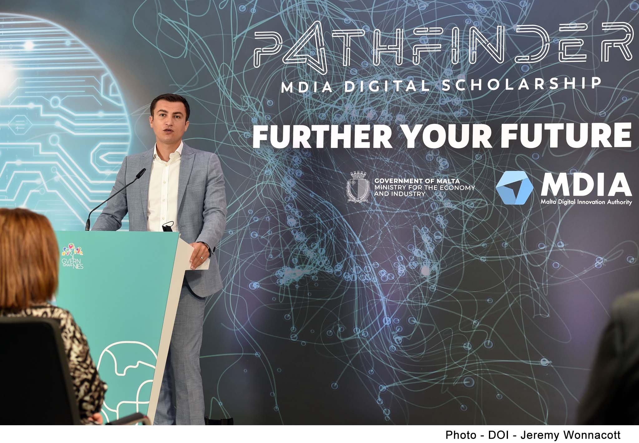 €100,000 in scholarships for studies in Artificial Intelligence at Masters or Doctorate level