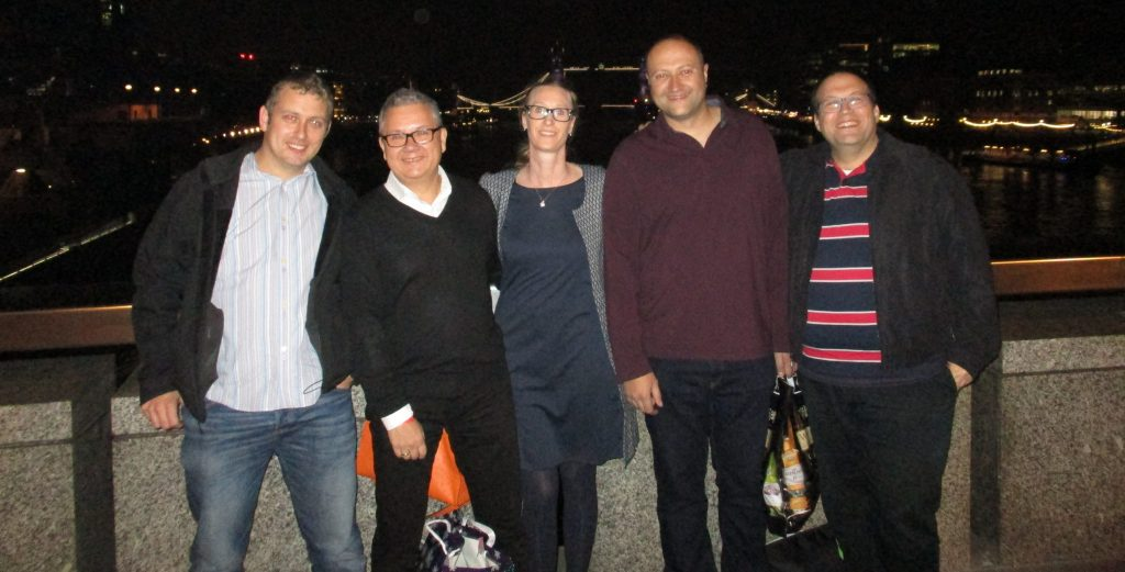Ross, Torben, Maureen, Duane and your truly post dinner on the London Bridge! © Malt and Oak