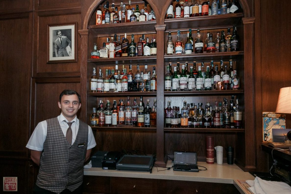 Bogdan at the Bar Photo Credit: Shai Gilboa ©