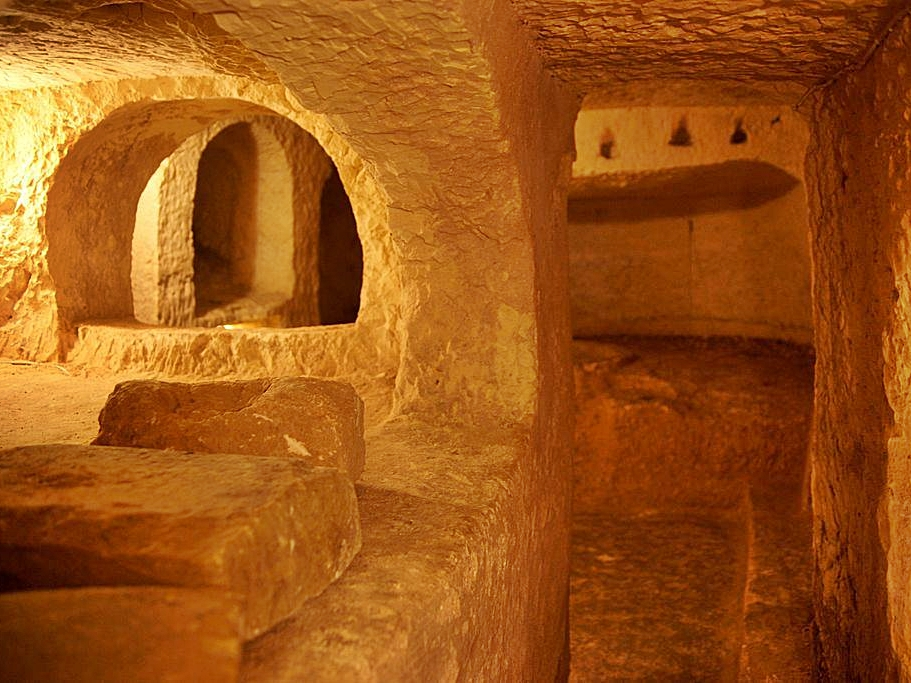 Walk Through Video Of Catacombs In Malta Holiday