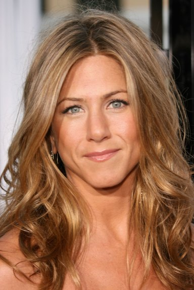 "LOS ANGELES, CA - MAY 22: Actress Jennifer Aniston arrives to Universal Pictures world premiere of the film ""The Break-Up"" at the Mann Village Theatre May 22, 2006 in Westwood, California. (Photo by Frederick M. Brown/Getty Images)"