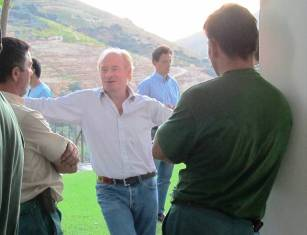 Dominic Symington catching up with two of the team from the Quinta do Tua winery