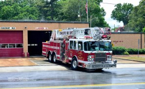 Truck 13's 2004 Spartan/Smeal quint; they now operate a close-to-identical 2015 model.
