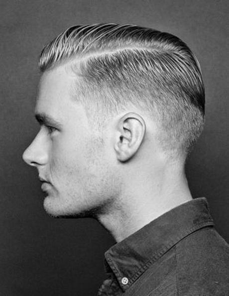 Kurzhaarfrisuren undercut männer frisuren mit locken. Seitenscheitel undercut