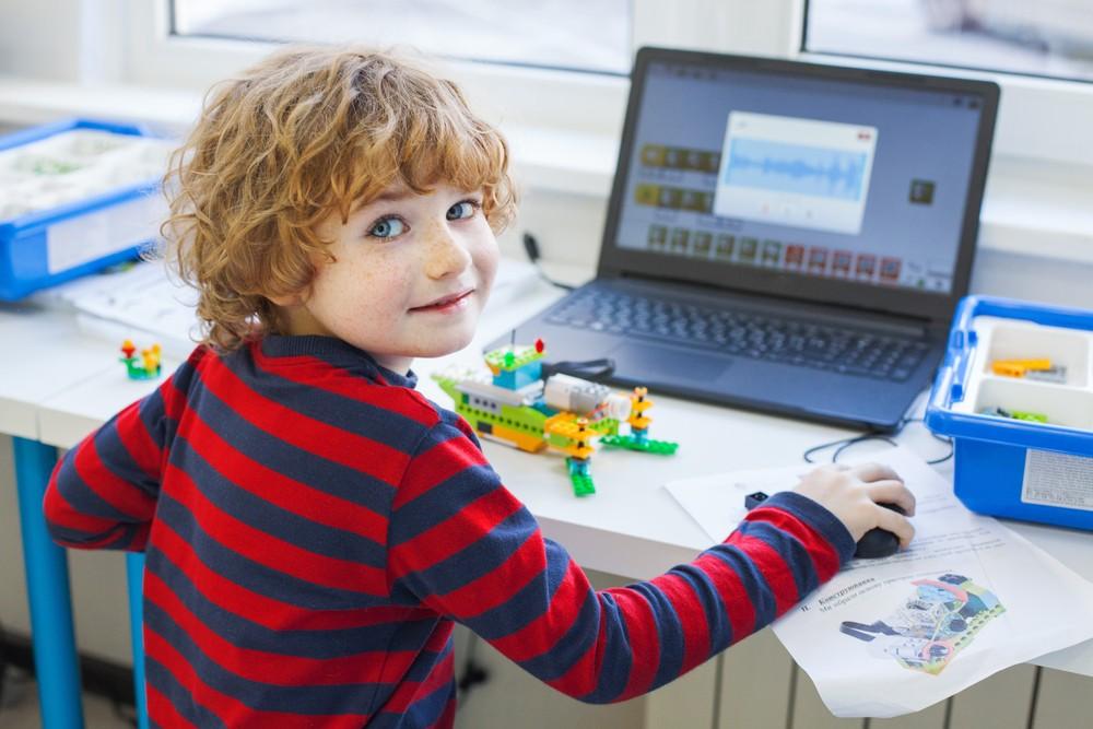 Czy uczyć dziecko programowania?