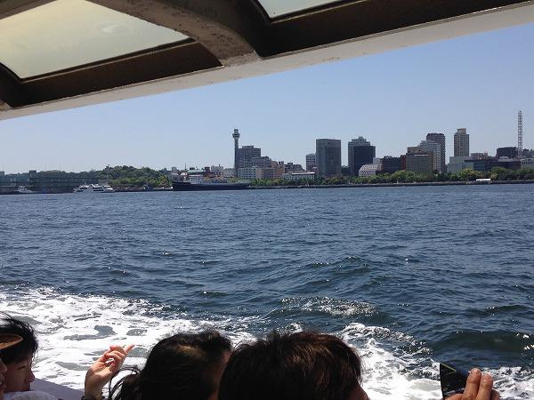 観光船シーバスからの眺めマリンタワー