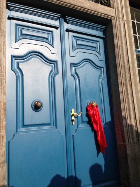 Die Rathaustür - wann geht sie auf