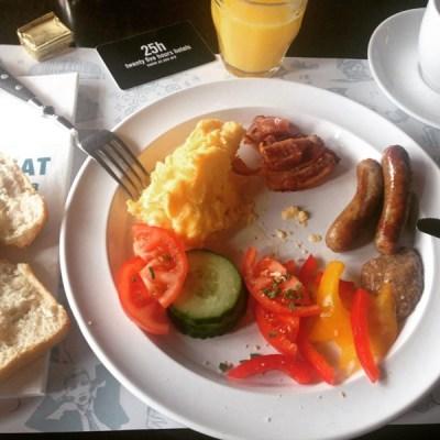 und richtiges Frühstück