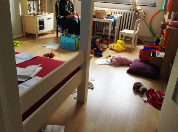 Zimmer verwüsten äh spielen