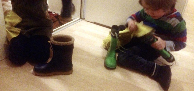 Stiefel für Nikolaus putzen