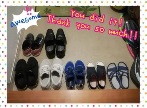 きれいに並べられた靴を見て、喜び褒めている