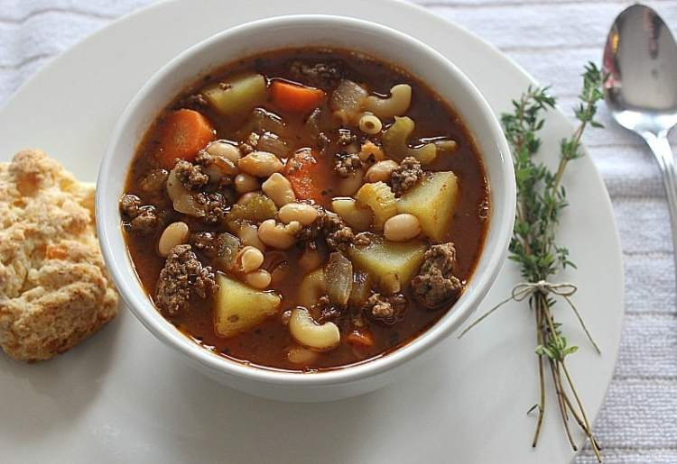 Hearty Hamburger Soup with Macaroni. From the hearty vegetables to perfect spices, this filling soup will warm your soul. It's jam packed with flavour and delicious aromas.