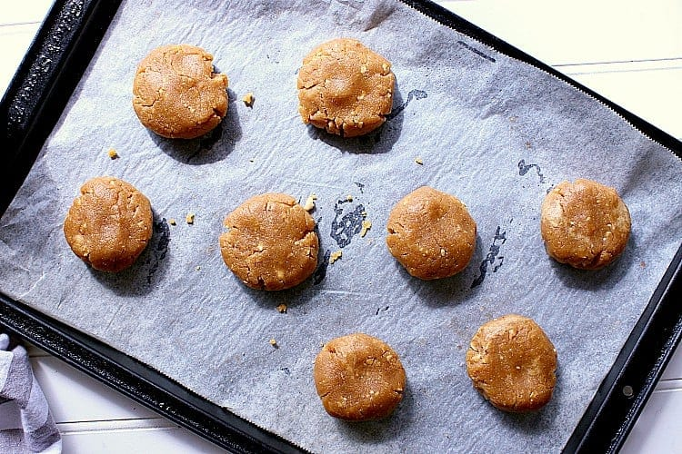 8 balls of dough.