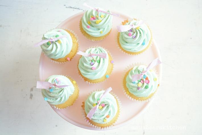 vanilla cupcake27