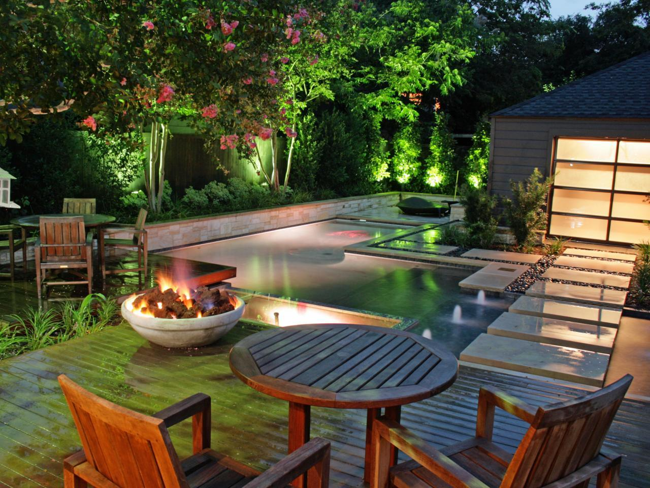Turn your Backyard into Beautiful Lounge Place With These ... on Stunning Backyards  id=69560