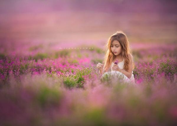 Photographer Creates Breathtaking Portraits Of Her 10 ...