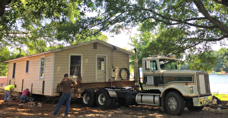 On the Truck - House Mover