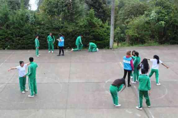Alumnos de la Institución Educativa Sochaquira Bajo