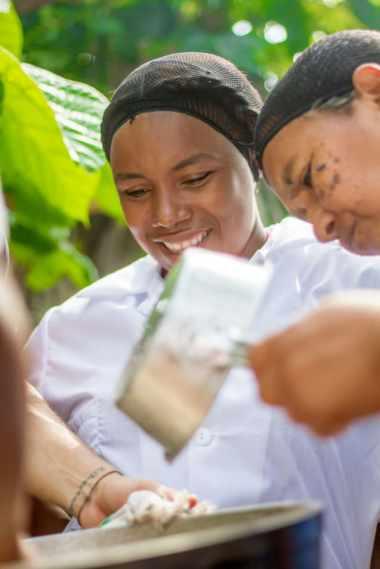 Segundo filtrado del aceite de coco