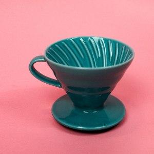 Керамическая воронка для заваривания кофе Hario V60 цвет тиффани