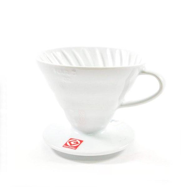 Белая керамическая воронка для заваривания кофе Hario V60