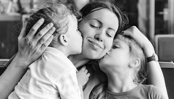 Iubirea copilui mic față de părintele său este poate cel mai frumos lucru din lume. Un lucru limitat temporal