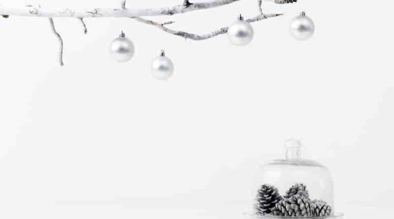 minimalist holiday